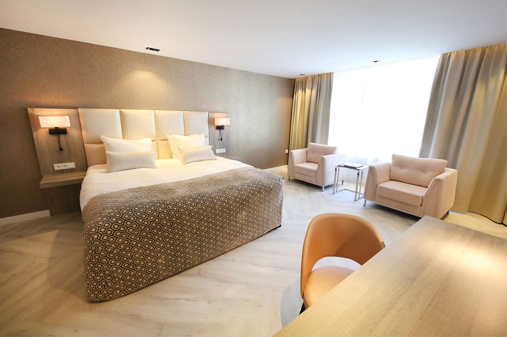 Van der Valk Spier-Dwingeloo Junior Suite met kingsize bed