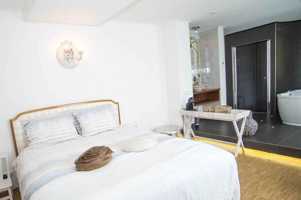 Hotel-Wymerts-Workum-Romantische-suite-2