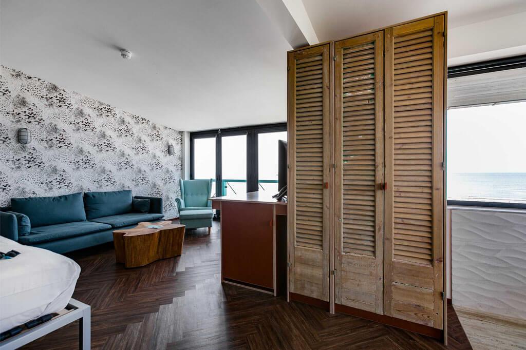 beachhouse-hotel-deluxe-suite-met-jacuzzi-kamer