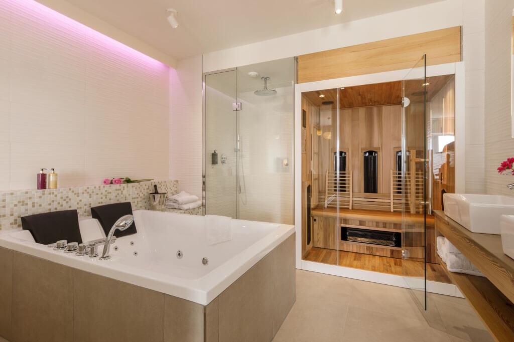 center-parcs-zandvoort-wellness-hotelsuite-met-jacuzzi-en-prive-sauna