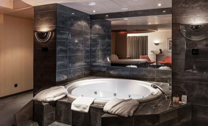 hotel-iselmar-lemmer-suite-met-jacuzzi-bubbelbad