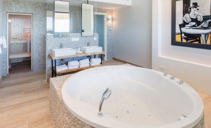 van-der-valk-luxembourg-arlon-wellness-suite-jacuzzi