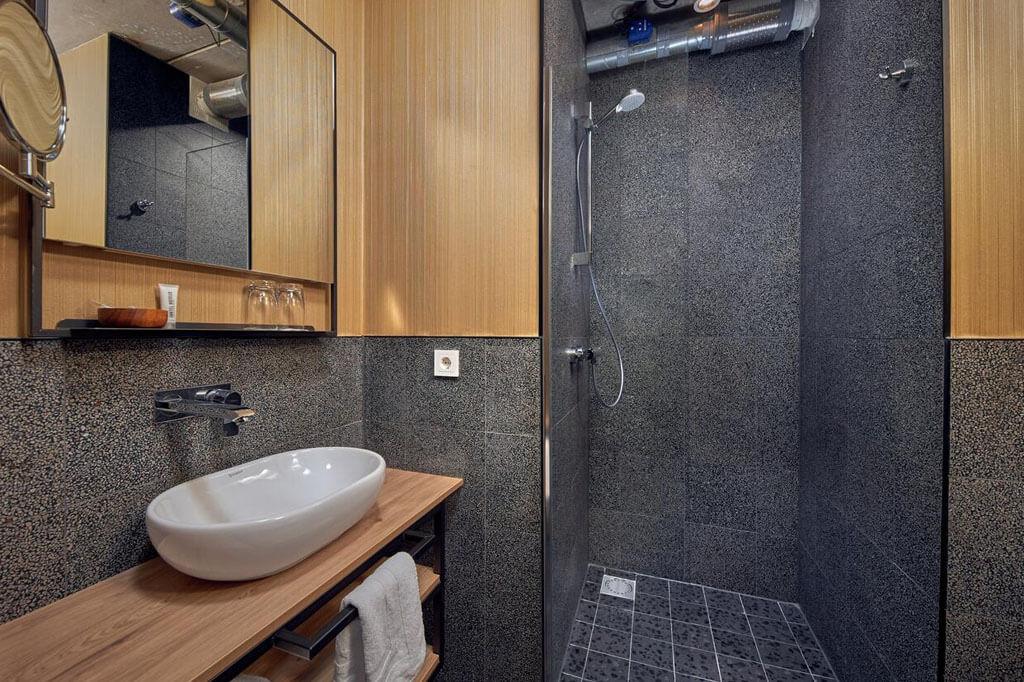 inntel-hotels-amsterdam-landmark-spa-kamer-badkamer