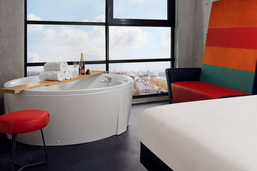 inntel-hotels-amsterdam-landmark-spa-kamer-jacuzzi