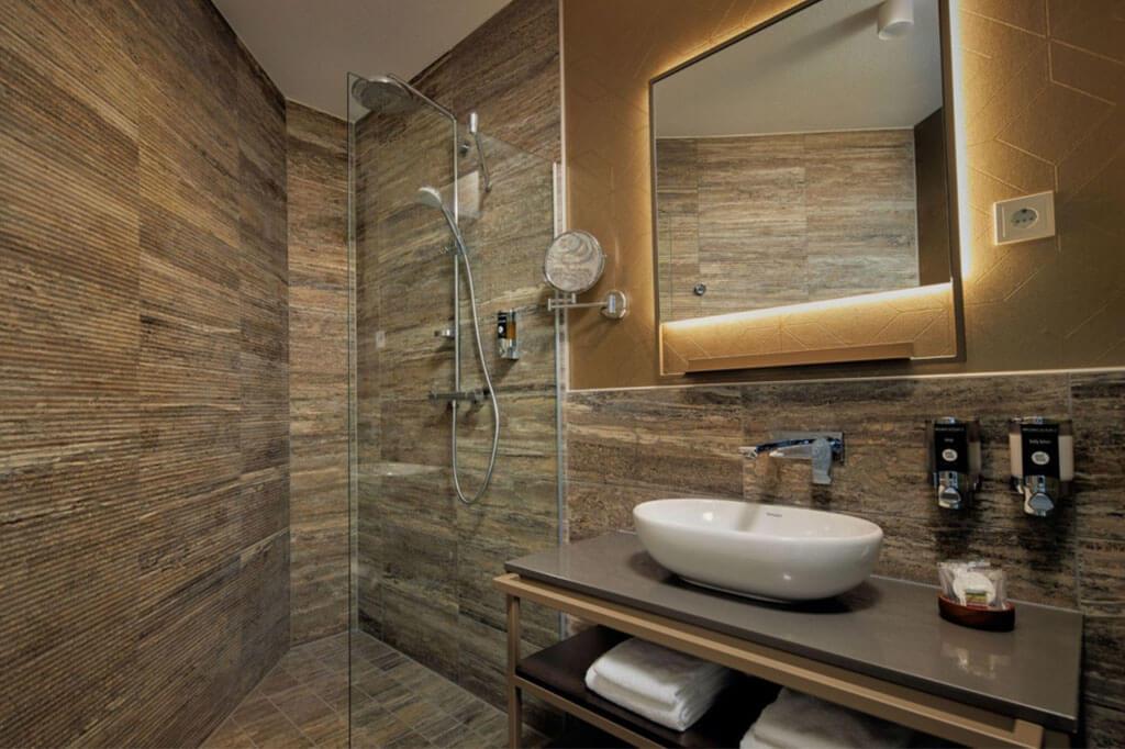 inntel-marina-beach-spa-kamer-badkamer
