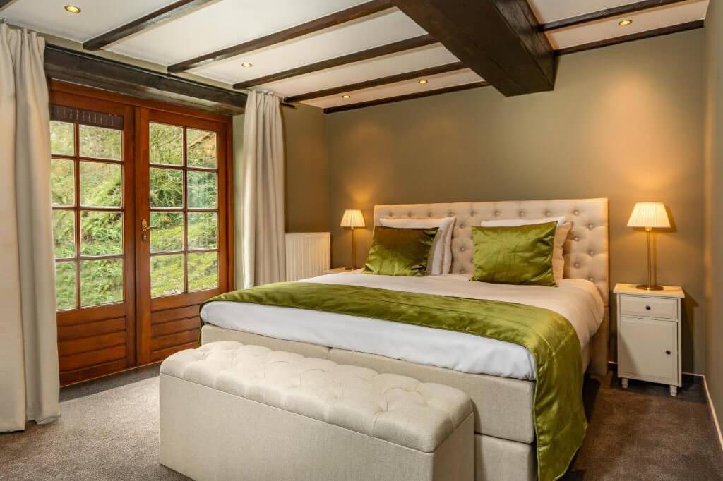 landgoed-overste-hof-grand-suite-met-jacuzzi-kingsize-bed