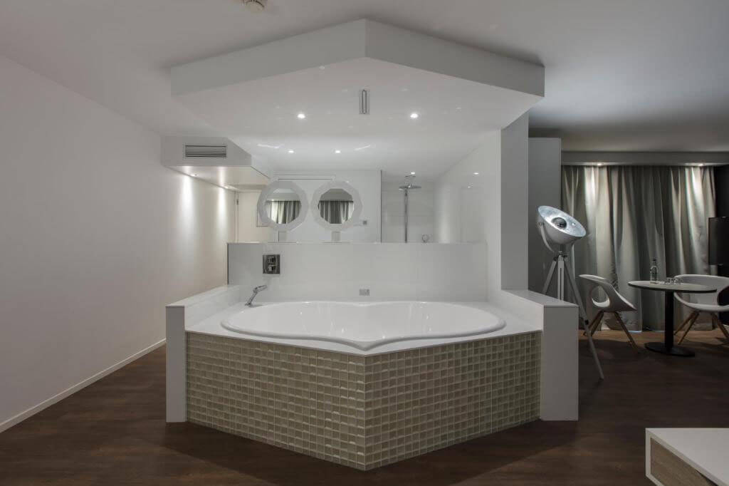 mitland-hotel-utrecht-romantische-suite-jacuzzi-4