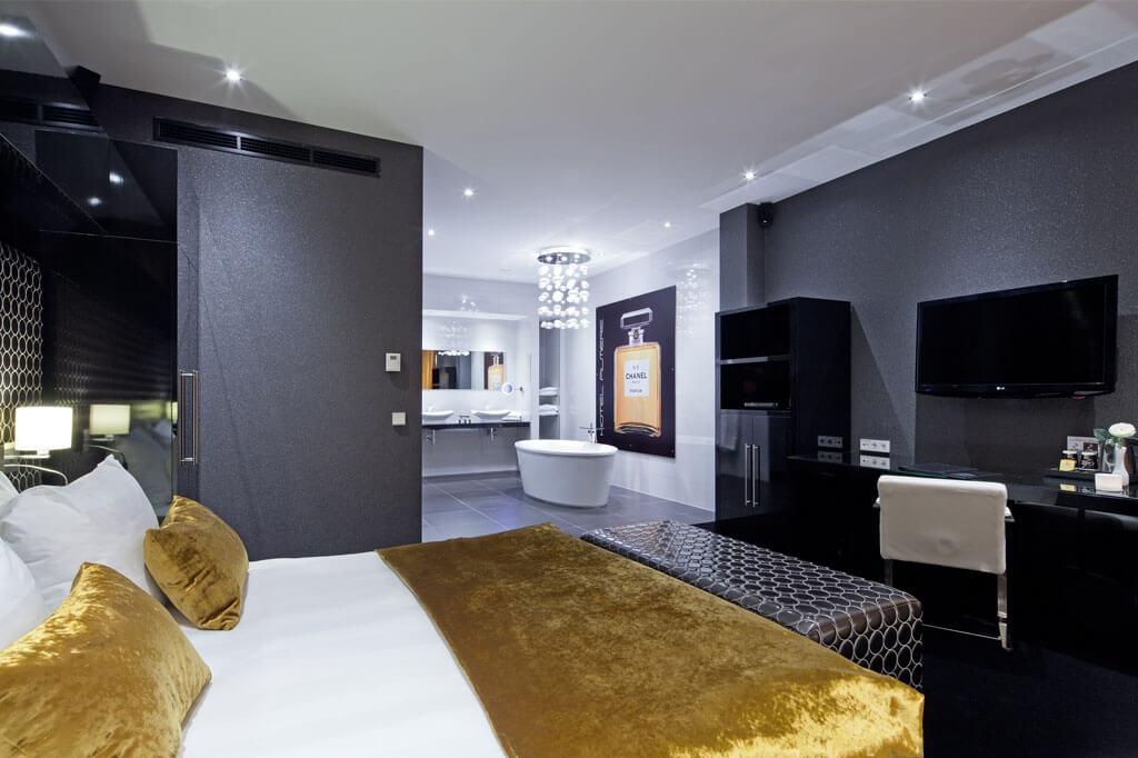van-der-valk-almere-top-suite-met-jacuzzi-en-sauna