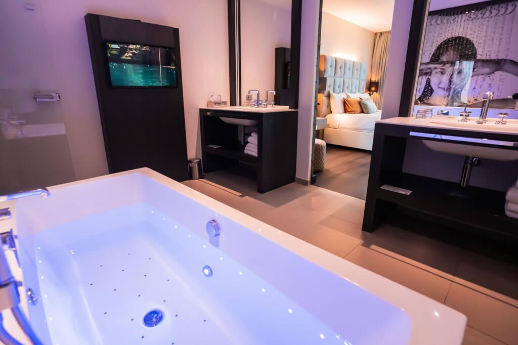 van-der-valk-heerlen-well-being-suite-met-jacuzzi-hotel