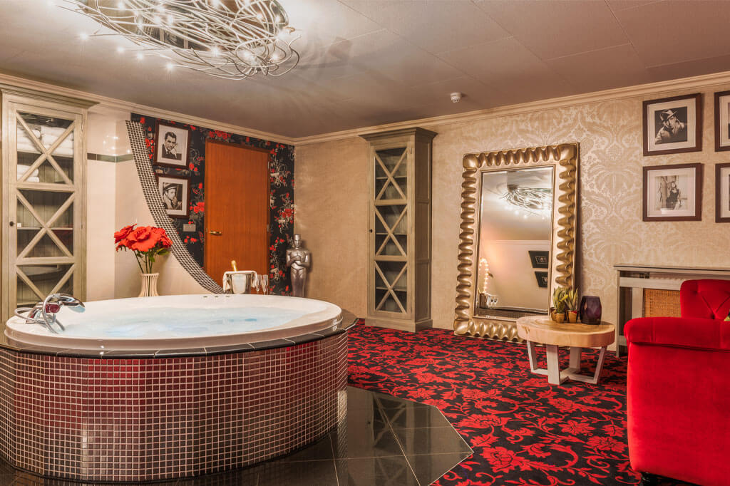 van-der-valk-hotel-emmen-hollywood-suite-jacuzzi-ruimte