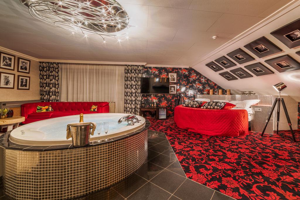 van-der-valk-hotel-emmen-hollywood-suite-jacuzzi-xl
