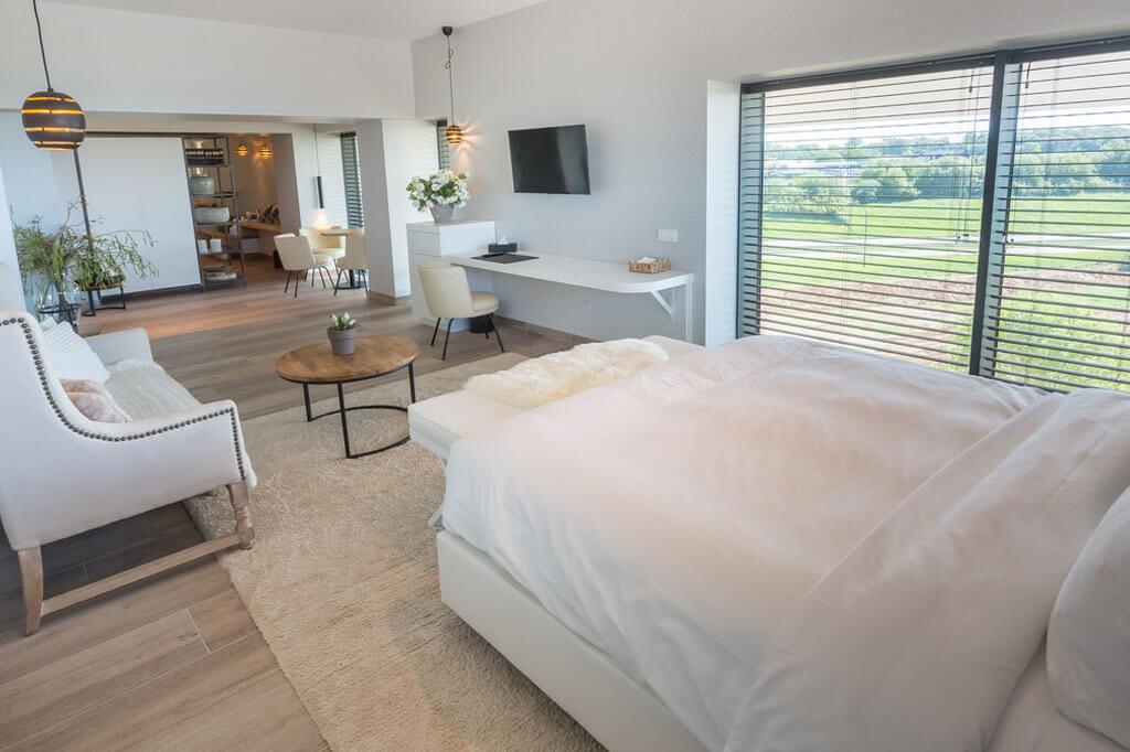 van-der-valk-luxembourg-arlon-wellness-suite-jacuzzi-3