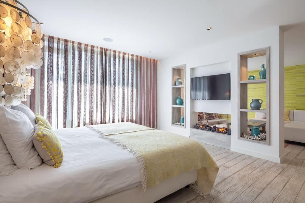 van-der-valk-vianen-ibiza-suite-kingsize-bed