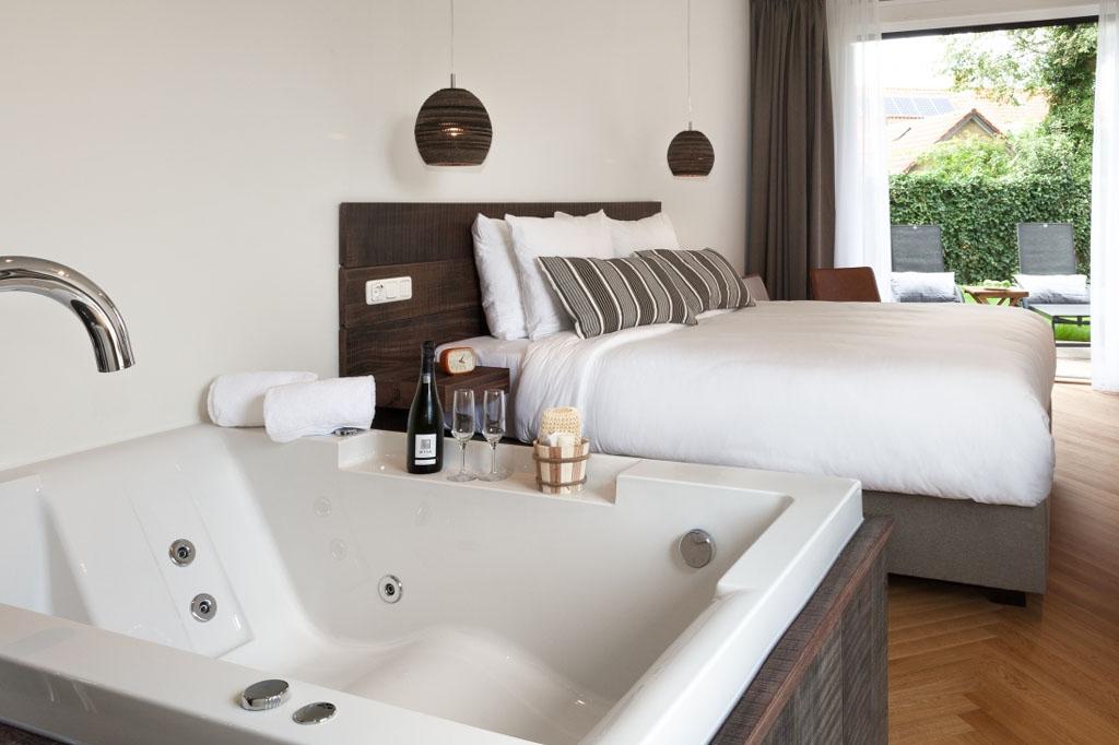van-heeckeren-hotel-romantische-suite